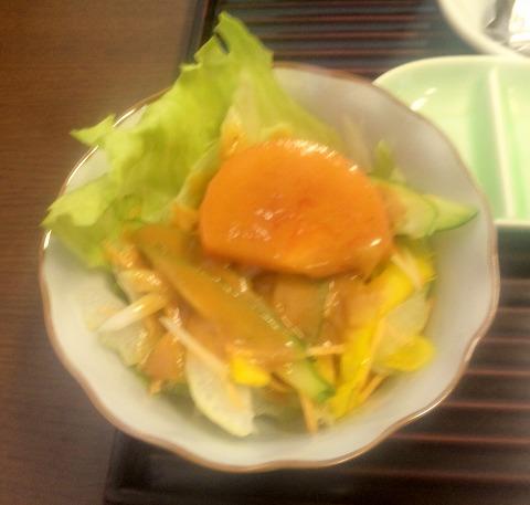 埼玉県所沢市北所沢町にある天ぷら店「てんぷら天健」特製てんぷら定食のサラダ