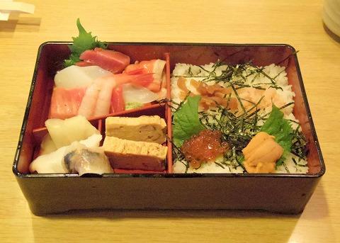 埼玉県春日部市備後6丁目にある鮨店「鮨勘」ちらしランチのちらし寿司