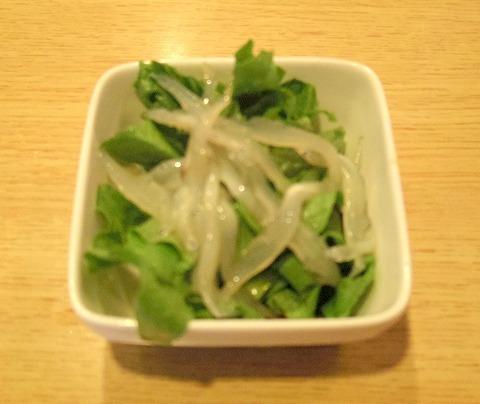 埼玉県春日部市備後6丁目にある鮨店「鮨勘」ちらしランチのサラダ