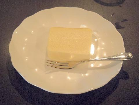 埼玉県越谷市下間久里にある珈琲専門店「自家焙煎珈琲 珈家 kaya」手作りチーズケーキ