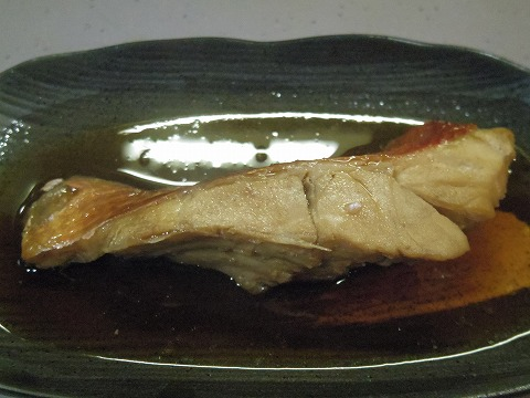 東京都文京区関口1丁目にある魚介料理、海鮮料理、居酒屋の「魚谷」金目鯛煮付け