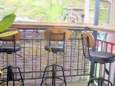長野県上田市別所温泉にあるカフェ「Katsuraso Cafe ハレterrace カツラソウ カフェ ハレテラス」店内