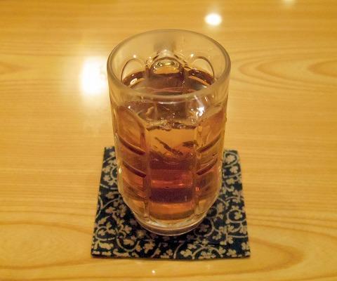 東京都新宿区中落合1丁目にある焼鳥店「炭火焼鳥 鳥香」ウーロン茶