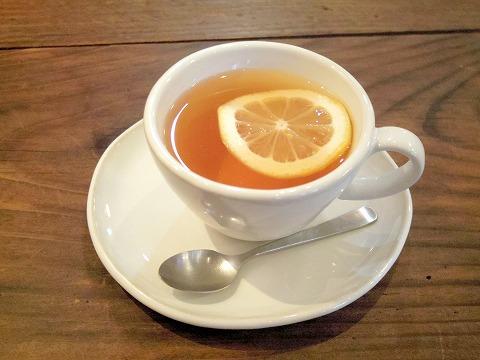 茨城県古河市上辺見にあるカフェ「おやつ処 はのは」ダージリンティー(レモン)