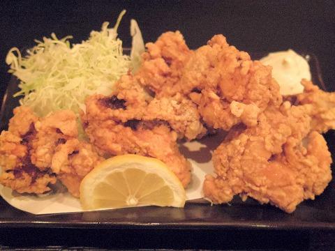 東京都西東京市東町2丁目にある居酒屋「和厨房ふじき」鶏の唐揚げ