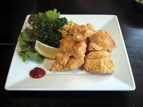 埼玉県入間市東町5丁目にある中華料理店「パオの食卓」鶏の唐揚げ