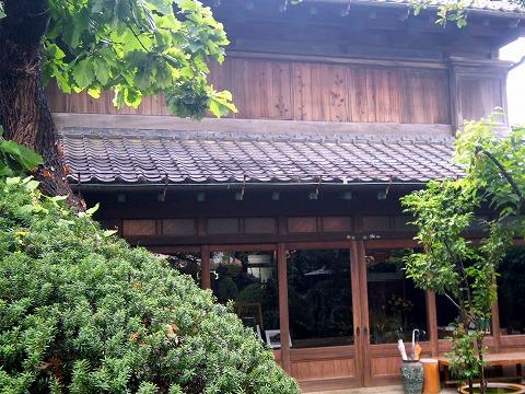茨城県古河市中央町3丁目にある洋食店「サン ローゼ SUN ROSE」外観