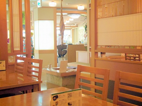 長野県長野市松代町殿町にある和菓子、甘味処、郷土料理のお店「竹風堂 松代店」店内