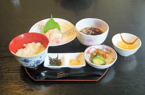 茨城県古河市関戸にある和食のお店「おかさと庵」宇和島名物鯛めし