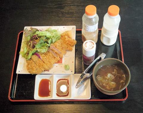 茨城県古河市関戸にある和食のお店「おかさと庵」牛かつ