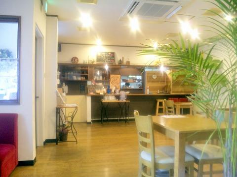 埼玉県越谷市平方南町にあるカフェ「Nico  Cafe」店内