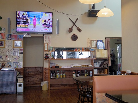 茨城県猿島郡境町大字長井戸にあるステーキ、ハンバーグの「ロッキー」店内