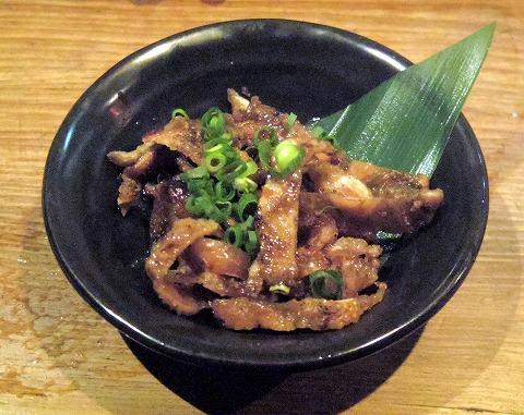 長野県長野市南長野にある焼鳥、居酒屋の「とりこまち」鶏皮ポン酢