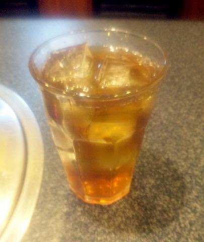 東京都練馬区春日町6丁目にある焼肉・ホルモンの「楽一」ウーロン茶
