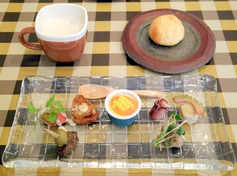 埼玉県春日部市中央1丁目にあるイタリアンのお店「すずkitchen」前菜盛合わせ5品とフォカッチャとスープ