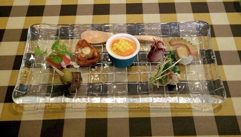 埼玉県春日部市中央1丁目にあるイタリアンのお店「すずkitchen」前菜盛合わせ5品