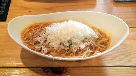 埼玉県入間市扇町屋4丁目にあるカフェ、ピザ、イタリアンの「ピザ屋のチーズカフェ」ふわふわチーズのミートソース