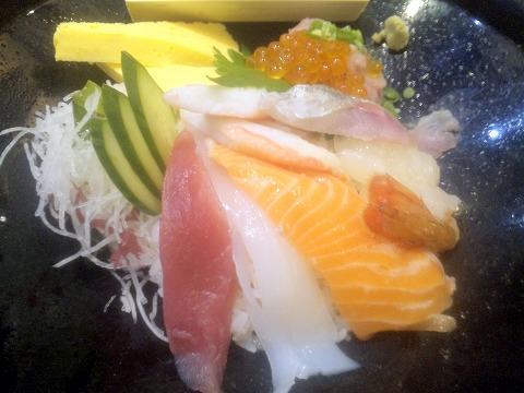 埼玉県所沢市大字上安松にある回転寿司のお店「がってん寿司 所沢上安松店」超豪華海鮮丼