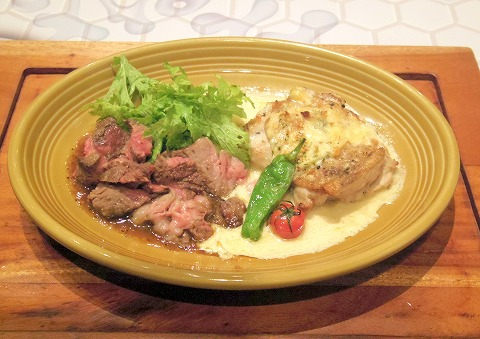 kawara CAFE&DINING 瓦カフェ&ダイニング 川崎モアーズ店 AUS産アンガス牛のステーキとチキンの香草パン粉チーズ焼き ハーフ&ハーフ盛合せ