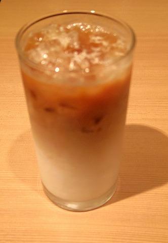 東京都台東区上野7丁目にあるカフェ「BECK'S COFFEE SHOP ベックスコーヒーショップ 上野常磐ホーム店」上野常磐ホーム店 モーニングプレート1、アイスカフェオーレで