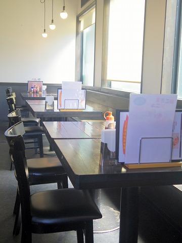 茨城県つくばみらい市小島新田にあるステーキ、ハンバーグのお店「肉のふじ屋」店内
