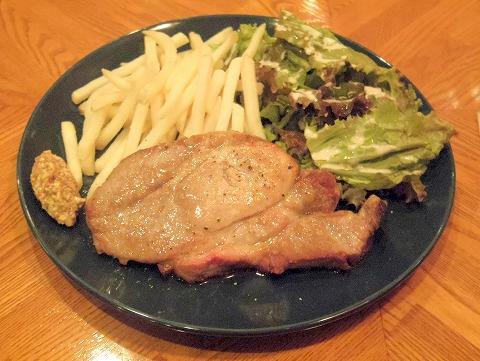 東京都練馬区関町北4丁目にあるフレンチのお店「Bistro CAFE GAVA ビストロカフェガヴァ」ドルチェポルコ豚のステーキ
