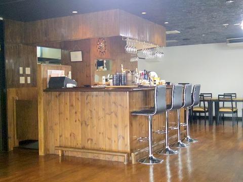 埼玉県越谷市北越谷4丁目にあるステーキ、レストランの「肉ダイニング たんと」店内