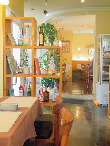 茨城県ひたちなか市大字高野にあるフレンチ、カフェの「RESTAURANT+CAFE Dahlia レストラン+カフェ ダリア」店内