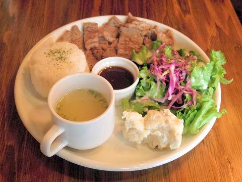 神奈川県川崎市川崎区小川町にあるハンバーガー、洋食のお店「EAST WOOD イーストウッド」ステーキプレート