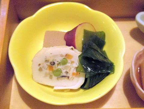 埼玉県春日部市梅田3丁目にある割烹料理店「くずし割烹 花々」彩り御膳の煮物と小鉢