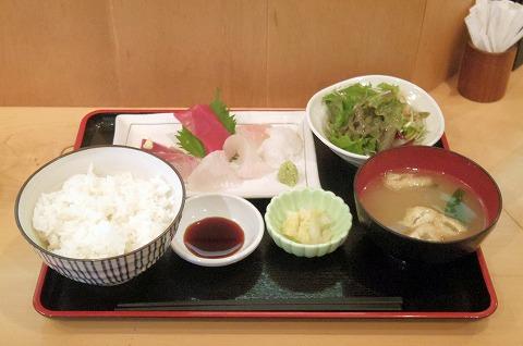 神奈川県川崎市中原区今井南町にある海鮮料理のお店「とれたて」とびきり鮮度!お刺身定食
