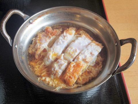 埼玉県春日部市栄町1丁目にある洋食店「とまと亭」カツ煮定食