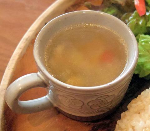 千葉県市川市新田5丁目にあるカフェ「Cafe DWARF  カフェドワーフ」カフェドワーフ ランチプレート(チキンソテー)