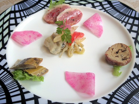 埼玉県さいたま市見沼区深作3丁目にあるフランス料理店「トロワ・ボー  Trois Beaux」Bランチのオードブル