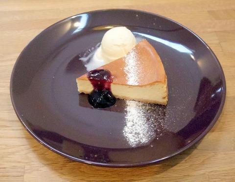 茨城県つくば市高見原1丁目にあるカフェ「marunacafe まるなカフェ」ニューヨークチーズケーキ