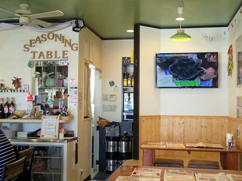 千葉県八街市八街にあるカフェ「カフェ&ダイニング シーズニングテーブル CAFE & DINING SEASONING Table」店内