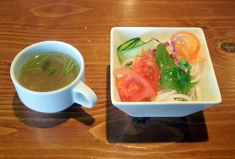千葉県八街市八街にあるカフェ「カフェ&ダイニング シーズニングテーブル CAFE & DINING SEASONING Table」ふわっ!とろっ!オムライスのセット