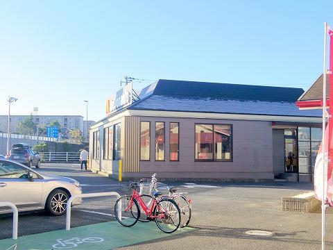 千葉県印旛郡酒々井町酒々井にあるファーストフード店「マクドナルド51号酒々井店」外観