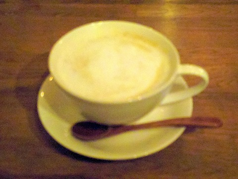 神奈川県川崎市中原区木月住吉町にある喫茶店「旅する珈琲屋OrangeBlue」ミルク珈琲