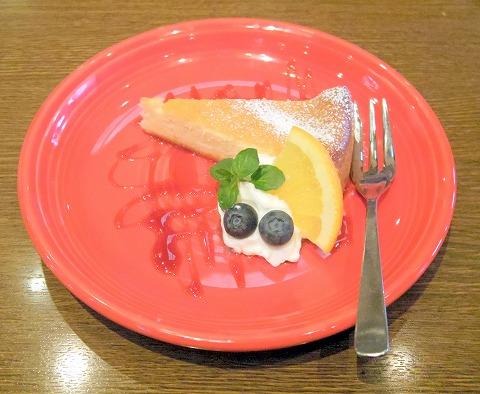 茨城県龍ケ崎市松ケ丘2丁目にあるイタリアンの「Pizzeria Tatsunoko ピッッェリア たつのこ」チーズケーキ