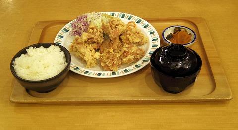 東京都葛飾区青戸3丁目にある定食、食堂の「銀めし さちのや食堂 青戸店」鶏の唐揚げ定食肉大盛り