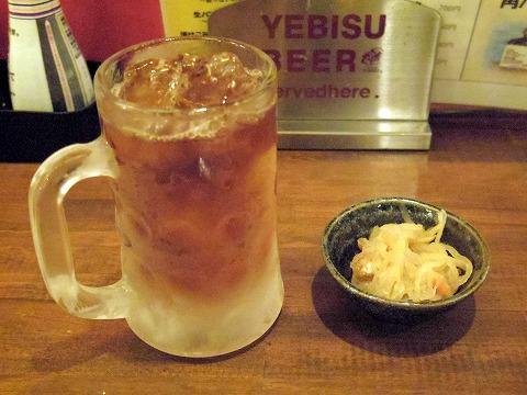 茨城県土浦市大和町にある居酒屋「九州横丁 九太郎 土浦店」ウーロン茶とお通し