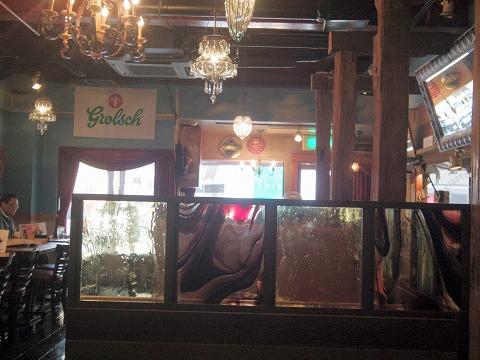 千葉県千葉市中央区富士見2丁目にあるイタリア料理のお店「Ganzo」店内