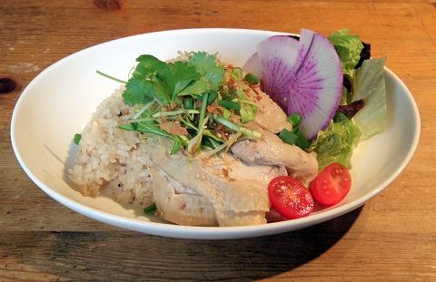 埼玉県入間市東町1丁目にあるカフェ「Mellow Food Cafe」シンガポールチキンライス(海南鶏飯)