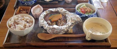 埼玉県入間市東町1丁目にあるカフェ「culture cafe Grandir  グランディール」さっぱりハンバーグと揚げなすのホイル焼きのセット