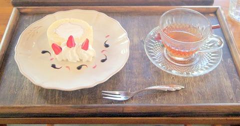 埼玉県入間市東町1丁目にあるカフェ「culture cafe Grandir  グランディール」週末限定ロールケーキ