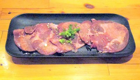 埼玉県越谷市千間台東1丁目にある焼肉、しゃぶしゃぶのお店「焼しゃぶ亭 翼」牛タン