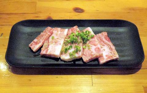埼玉県越谷市千間台東1丁目にある焼肉、しゃぶしゃぶのお店「焼しゃぶ亭 翼」和牛カルビ