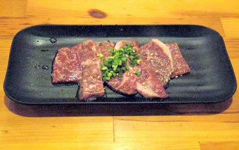 埼玉県越谷市千間台東1丁目にある焼肉、しゃぶしゃぶのお店「焼しゃぶ亭 翼」和牛ロース