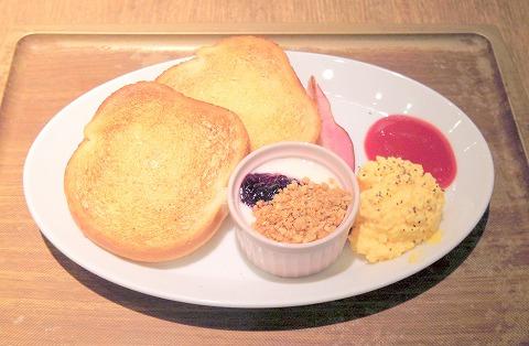 千葉県千葉市中央区新千葉1丁目にあるカフェ「unau cafe&kitchen ウナウ カフェ アンド キッチン」モーニング2